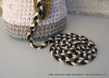 Braided rug fom t-shirt yarn.
